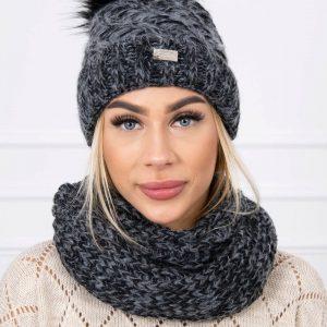 muts met sjaal grijs