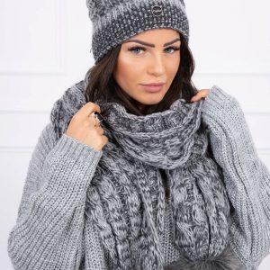 Muts met sjaal pompon grijs